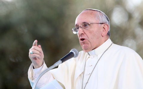 Thumbnail image for Pope has stinging criticism for 'Vatican-centric' church