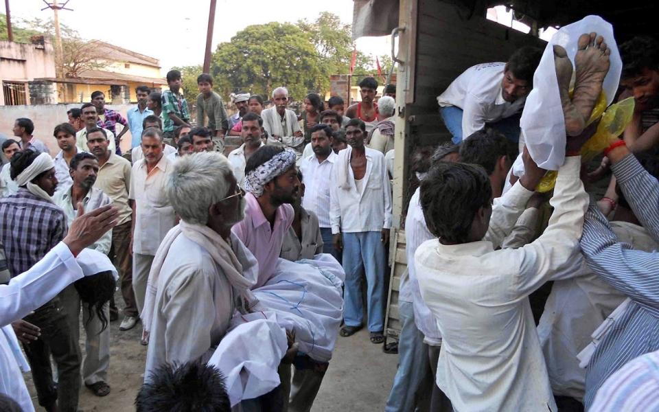Dozens Die In Hindu Temple Stampede Al Jazeera America