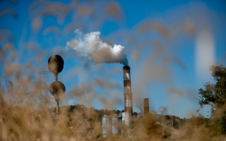 US cut CO2 pollution by 3.8 percent in 2012, say fed energy chiefs