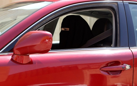 Thumbnail image for Saudi women refuse to put brakes on driving ban protest