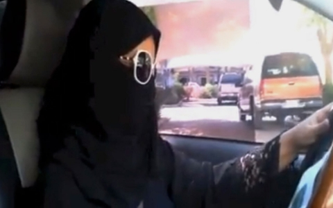 Thumbnail image for Saudi women defy authorities on driving ban