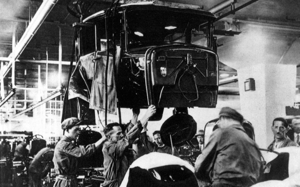 Ford marks 100 years of assembly line production | Al ...