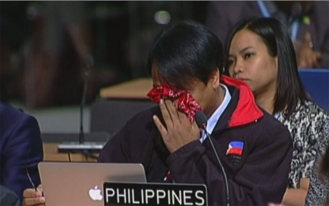 Thumbnail image for Philippine delegate weeps at UN climate conference