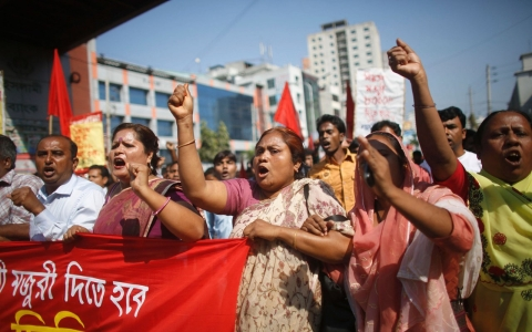 Thumbnail image for Protest by Bangladeshi garment workers shutters 100 factories