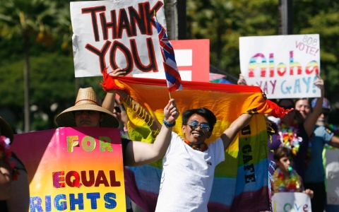 Thumbnail image for Hawaii governor signs same-sex marriage bill into law
