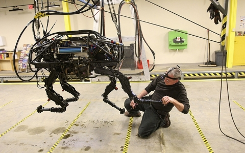 Thumbnail image for Google acquires robotics pioneer with Pentagon ties