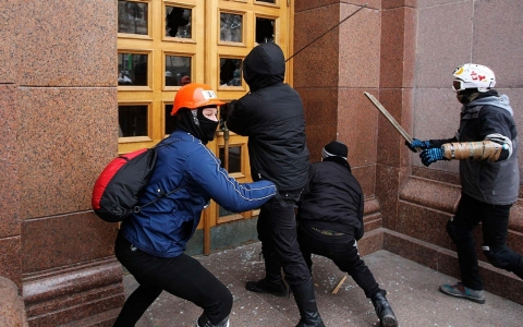 Thumbnail image for Ukraine protests echo around former Soviet Union