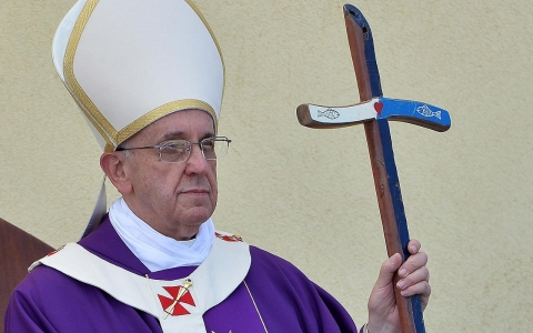 Thumbnail image for Pope Francis a rock star among Catholics on inequality, but …