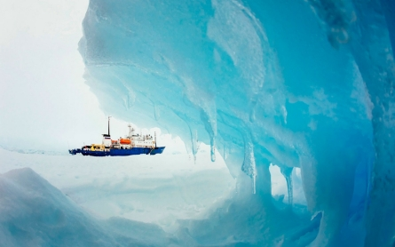 Helicopter rescue planned for passengers on trapped Antarctic ship