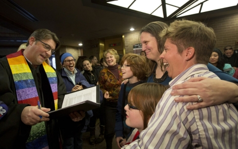 Thumbnail image for Utah asks Supreme Court to block same-sex marriages