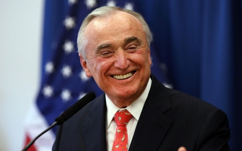 Thumbnail image for Bratton to become NYC police chief again