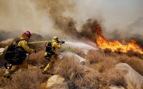 Thumbnail image for NASA scientists link climate change with increase in wildfires