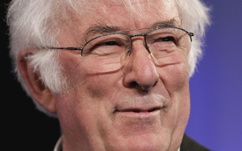 Thumbnail image for Leading Irish poet Seamus Heaney dies