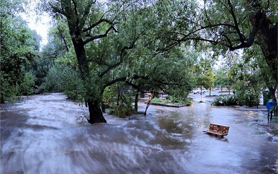 Colorado flooding isolates rocky mountain towns al for Best colorado mountain towns to live