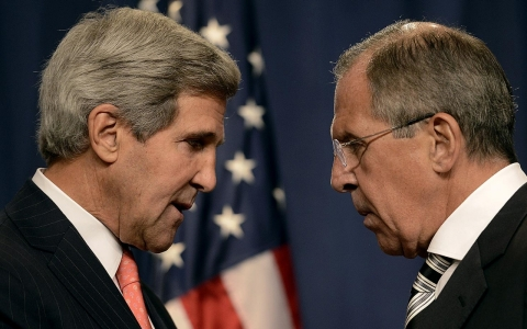 Secretary of State John Kerry, left, and Russian Foreign Minister Sergei Lavrov, right.