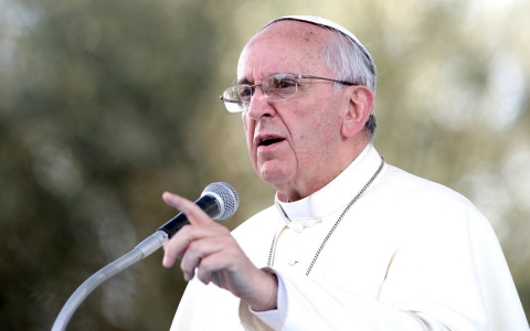 Thumbnail image for Pope Francis criticizes treatment of migrants at 'pawns'