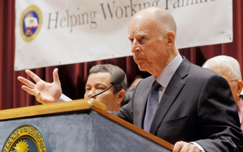 Thumbnail image for California governor signs bill raising minimum wage to $10/hour