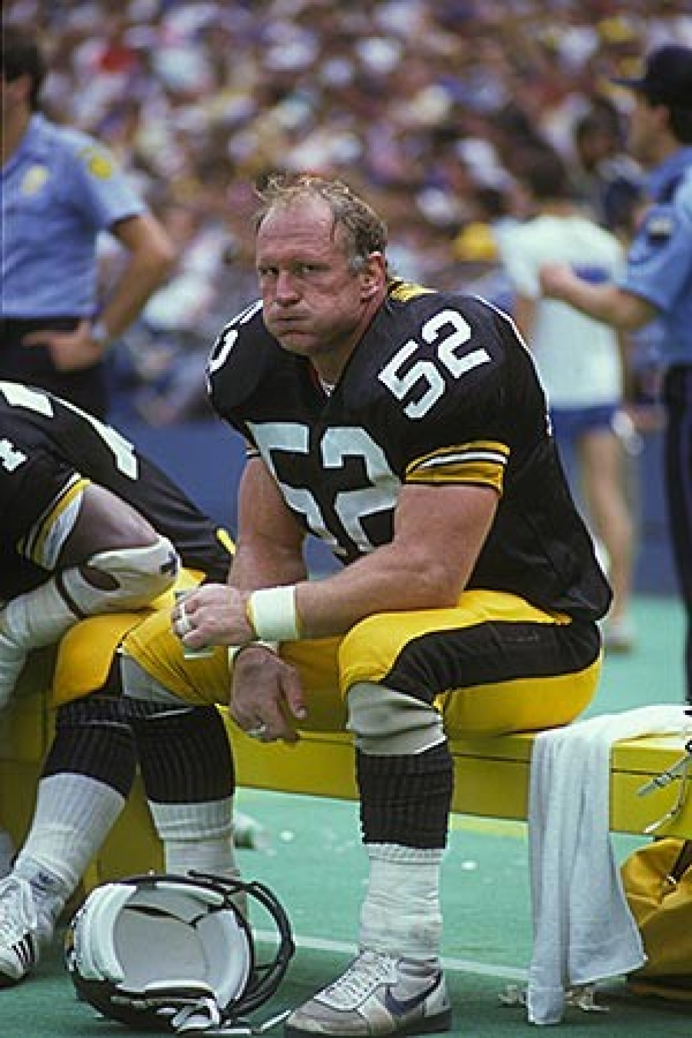 nfl s plight on brain injuries not over al jazeera america former pittsburgh steeler mike webster who died in 2002 at age 50