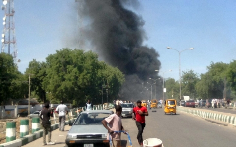 Thumbnail image for Deadly car bomb explodes near Nigeria military post