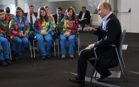 Thumbnail image for Putin: Russia isn't 'going after' gays with new propaganda law