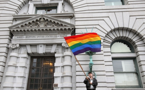 Thumbnail image for Court: Gay juror removed improperly