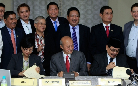 Thumbnail image for Philippines, Muslim rebels edge closer to final peace deal