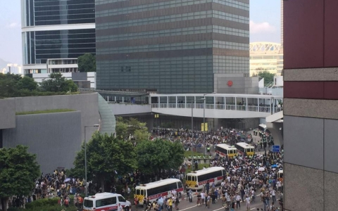 Thumbnail image for Hong Kong's protesters distance themselves from anti-mainland movement