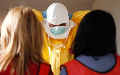 Thumbnail image for CDC revises guidelines for treating Ebola patients