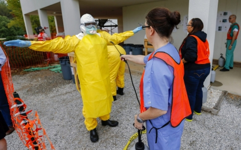 Thumbnail image for US doctors: With proper protocols, no need to panic over Ebola