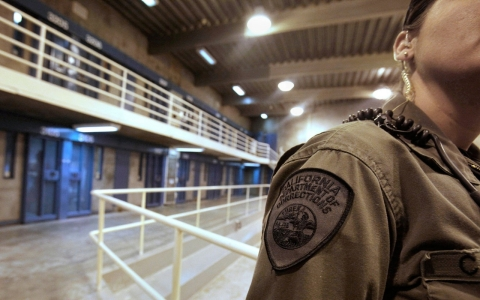Thumbnail image for California prisons to end race-based lockdowns