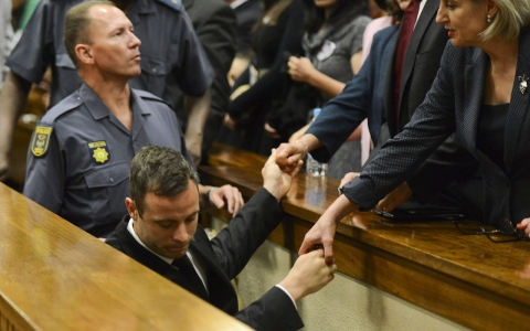 Thumbnail image for Experts: Pistorius' cash, influence will determine his prison experience