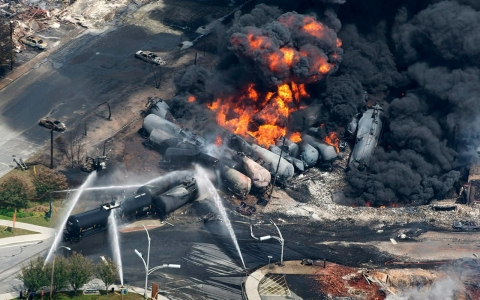 Thumbnail image for 'Bomb trains': A crude awakening for Richmond, Calif.