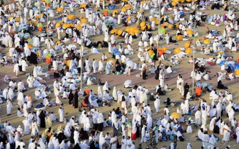 Thumbnail image for Ebola's shadow extends to would-be Mecca pilgrims