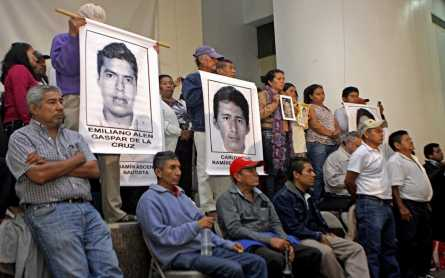 Mexico president meets with relatives of missing students, one month later