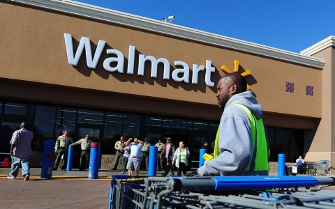 Thumbnail image for Walmart cuts health benefits for 30K part-time employees
