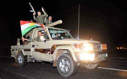 Iraqi Kurdish reinforcements arrive to defend Kobane