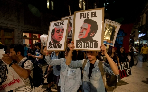 Thumbnail image for Mexico leader travels to Asia amid rising unrest over missing students