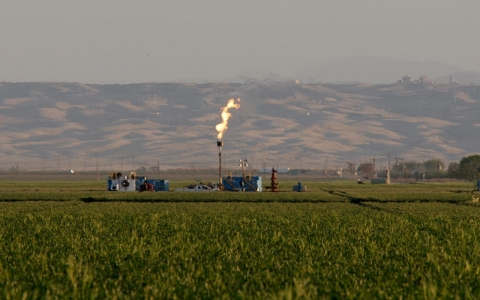 Thumbnail image for California environmental groups call for tighter fracking controls