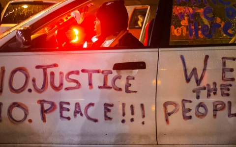 Thumbnail image for FBI sends in reinforcements ahead of Ferguson grand jury announcement