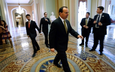 Senate passes five-day budget extension, averting shutdown