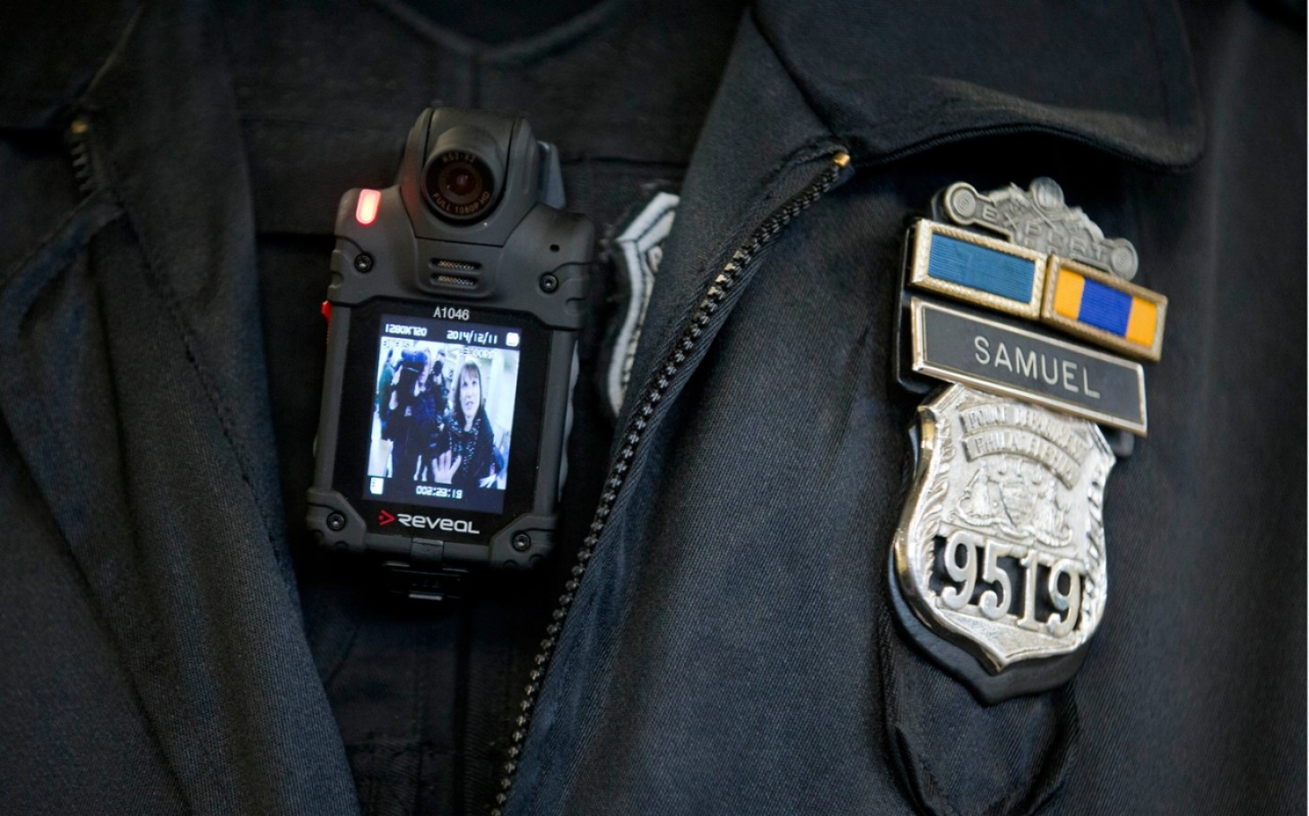 an argument in favor of policemen wearing body cameras to reduce claims and improve peoples trust ةدايقلا ناكرأthe principles of leadership the principles of leadershipindb 1 6/13/11 an enhancement and a favor, and peoples' trust in.