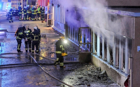 Thumbnail image for Swedish mosque set ablaze, five injured