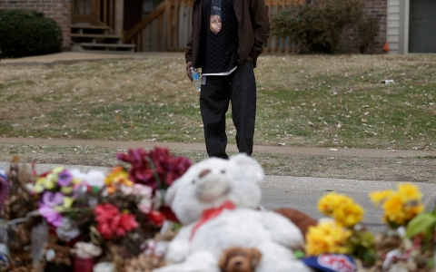 Thumbnail image for Ferguson policeman disciplined for calling Brown memorial 'pile of trash'