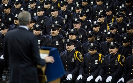 Boos greet NYC mayor at police graduation