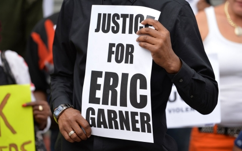 Thumbnail image for No indictment for NYPD officer in death of Eric Garner