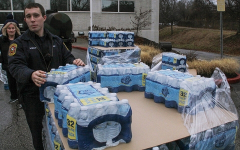 Thumbnail image for West Virginians still don't trust their water, a month after spill