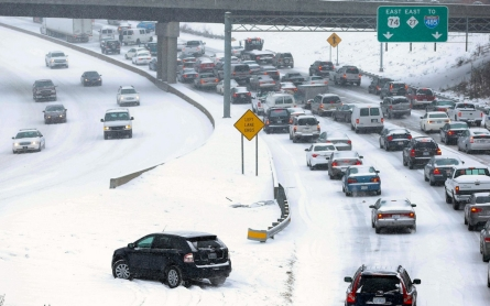 Winter storm blankets East Coast day after socking South
