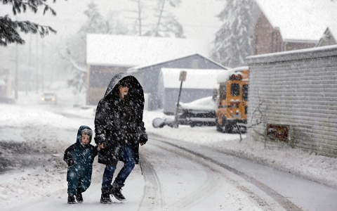 snow days a challenge for low income parents al jazeera america