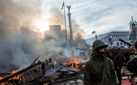 Ukraine government, opposition agree to 'truce'