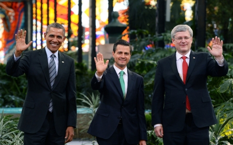 President Barack Obama, Mexican President Enrique Pena Nieto and Canadian Prime Minister Stephen Harper pose for a photo in Toluca, Mexico, on Feb. 19, 2014.